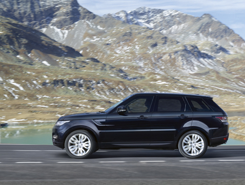 El Range Rover Sport lleva la palabra condúceme escrita por todas partes