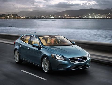 Volvo V40: potencia en tus manos y conducción de lujo