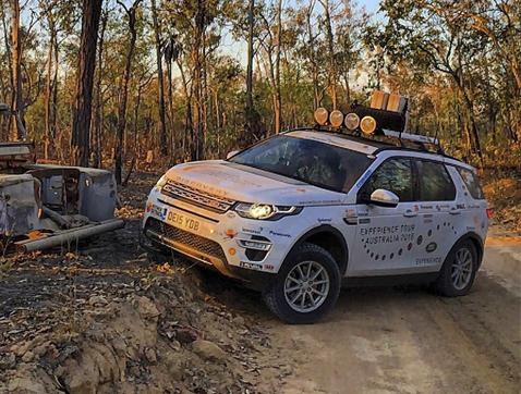 El nuevo Land Rover Discovery Soport convierte en realidad el sueño de alcanzar Ayers Rocks