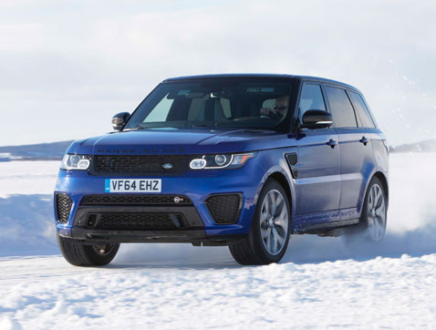 El Range Rover Sport SVR se enfranta a un circuito réplica de Silverstone tallado en un lago ártico helado