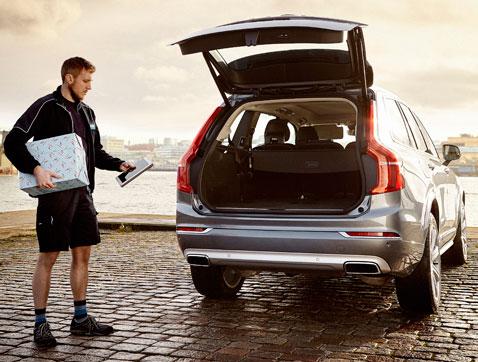 Volvo deja tu compra de Navidad en el maletero de tu coche