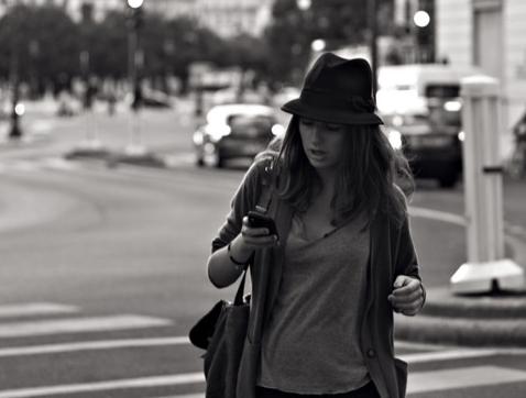 Smartphones, un gran peligro para los peatones