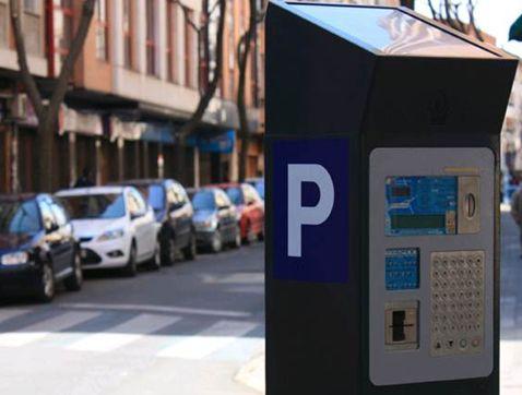 Pagar por aparcar es lo que más molesta a los conductores españoles