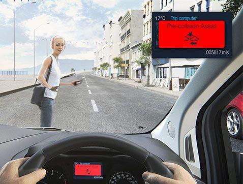 Las furgonetas Ford ya pueden detectar a peatones en la carretera y activar los frenos automáticamente