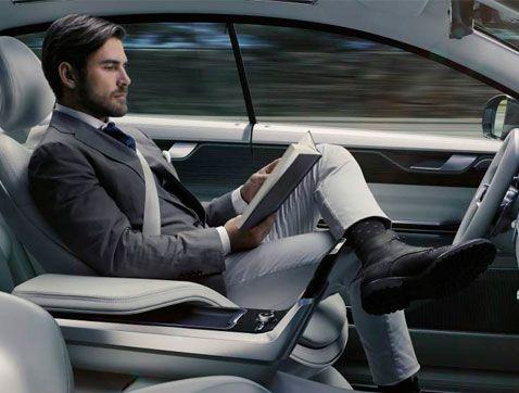 El 81% dels conductors es considera millor que un cotxe autònom