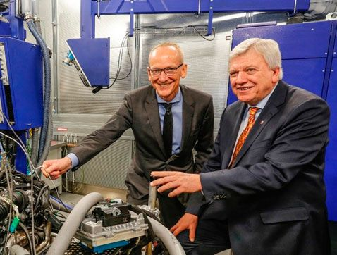 Opel inaugura un nuevo laboratorio global de sistemas de propulsión