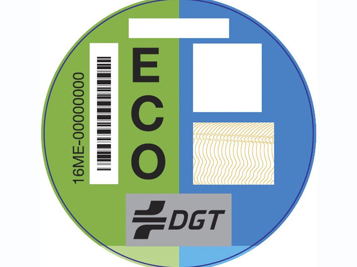 La DGT envía distintivos ambientales a 4,3 millones de titulares de vehículos
