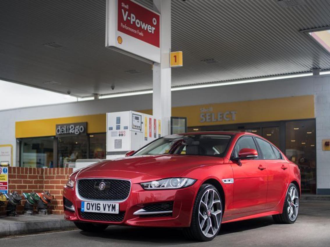 Los Jaguar ya pueden pagar solos sin necesidad de sacar la cartera al repostar