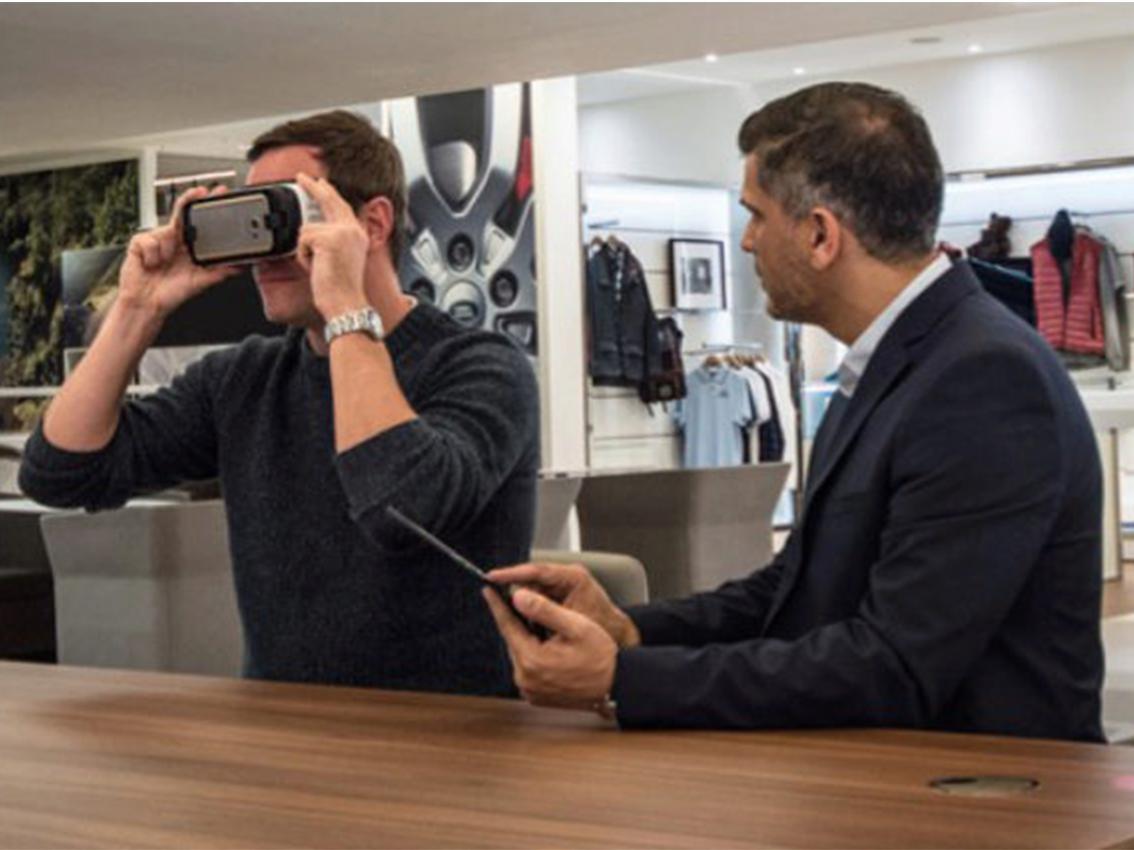 La realidad virtual llega a los concesionarios Land Rover