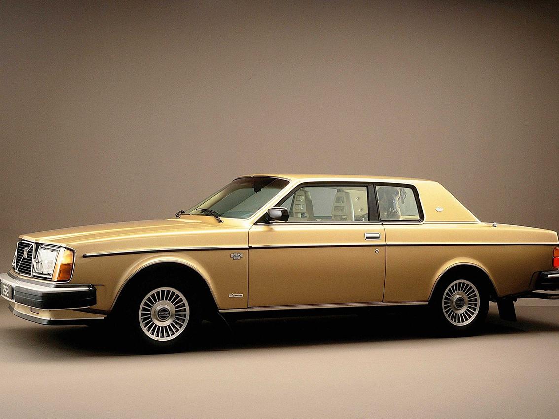 El Volvo 262 Coupé, buque insignia de la marca cumple 40 años
