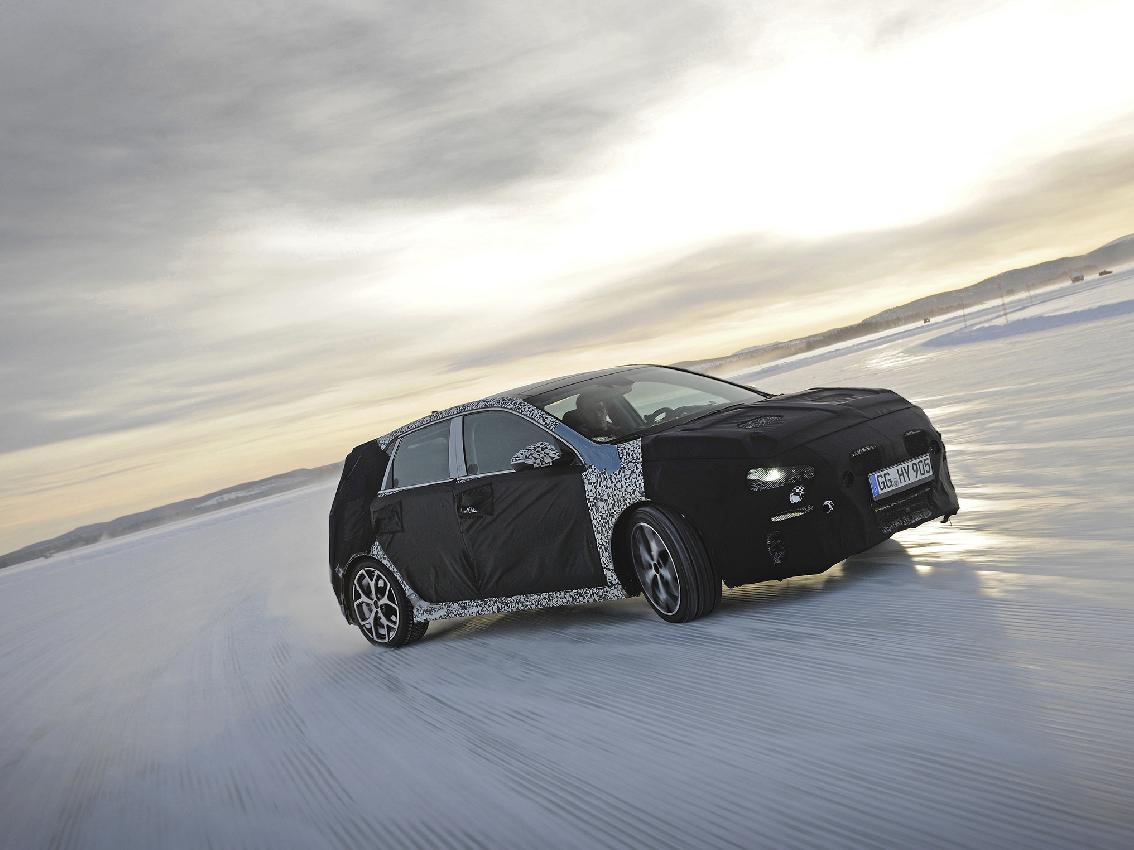 El Hyundai i30 N realiza pruebas invernales en Suecia con Neuville