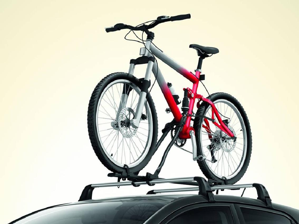 ¿Cómo llevar la bicicleta en el coche?