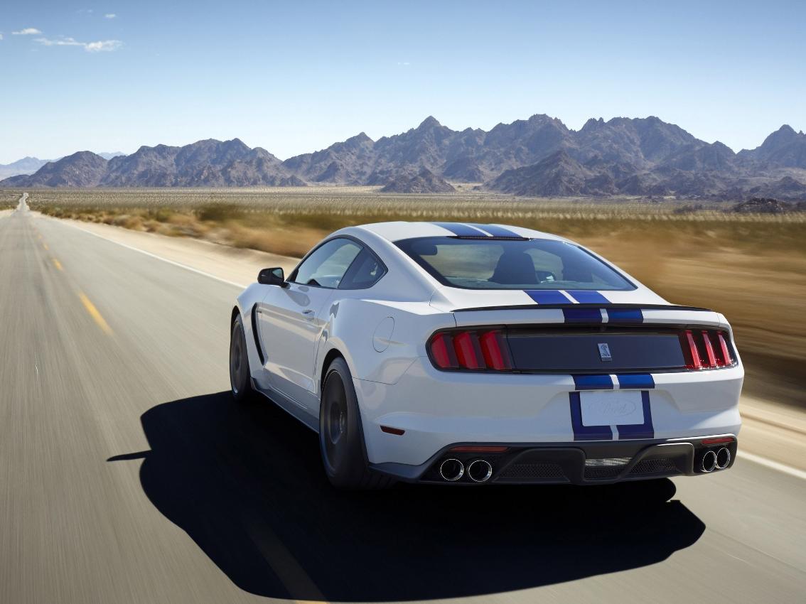 Ford seguirá produciendo un año más la gama GT350