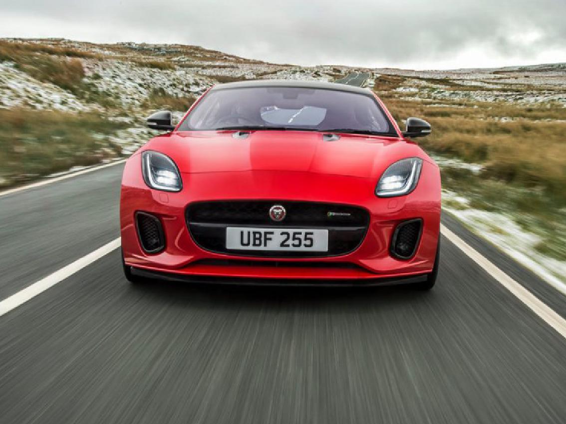 Jaguar introduce un nuevo motor dos litros y 300 CV de cuatro cilindros en el F-Type