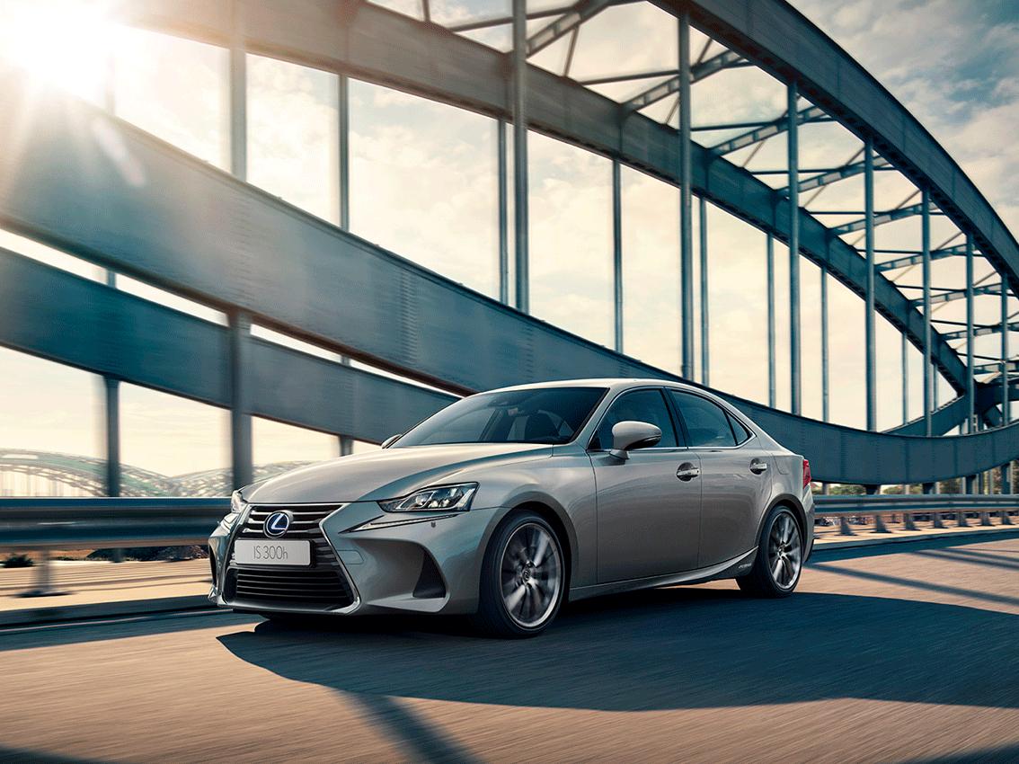 Lexus IS 300h: concebido para levantar pasiones
