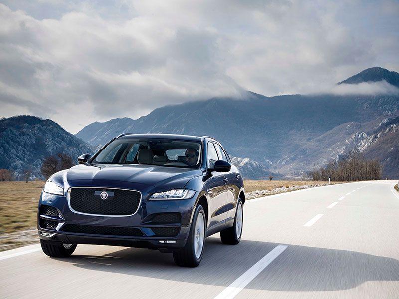 Llegan los nuevos motores de gasolina de 300 CV para los Jaguar XE, XF y F-Pace.