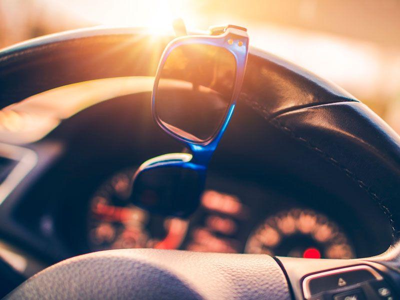 Cómo elegir las gafas de sol adecuadas para conducir en verano