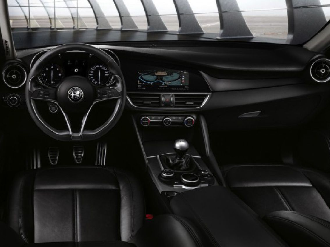 El Alfa Romeo Giulia entre los favoritos para los premios Wards Auto 2017