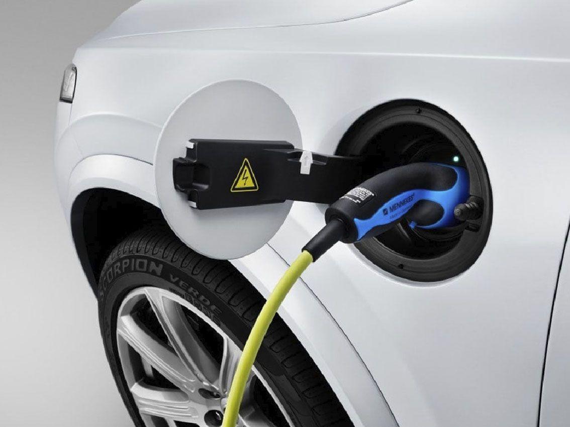Volvo lanzará solo coches eléctricos o híbridos a partir de 2019