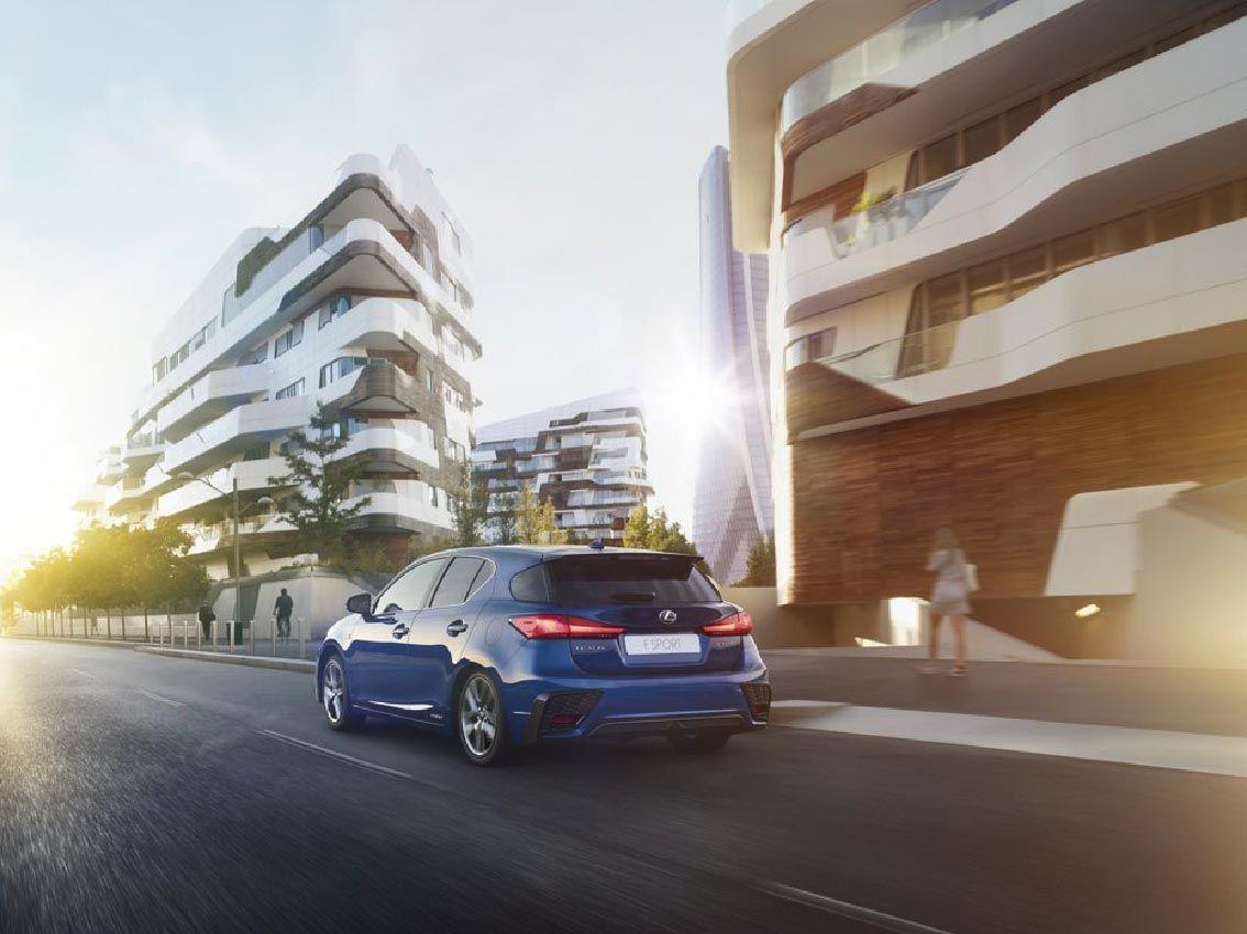 Lexus presenta dos primicias europeas, y una novedosa puesta en escena en el Salón del Automóvil de Frankfurt