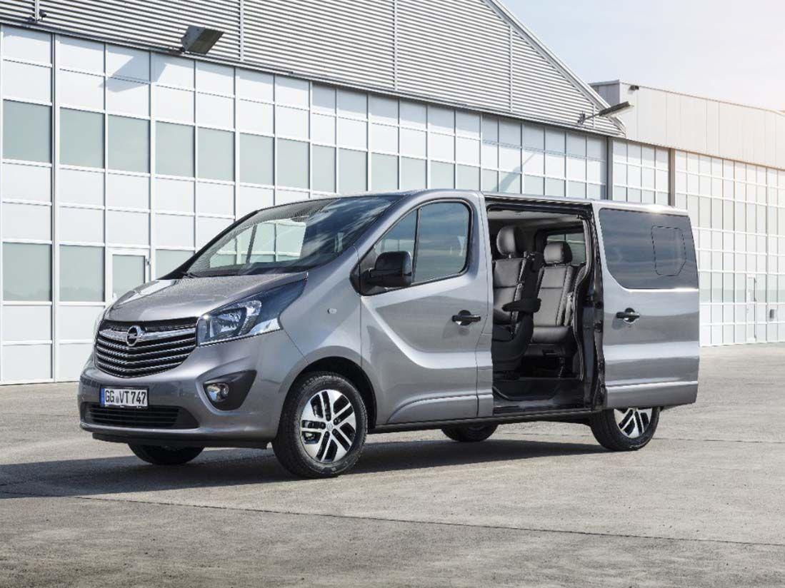 Nuevos comerciales largos con el Opel Vivaro Tourer y Combi Plus: funcionales, cómodos y versátiles