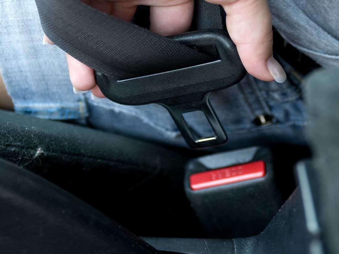 El uso del cinturón de seguridad y sistemas de retención infantil, protagonistas de la última campaña de la DGT