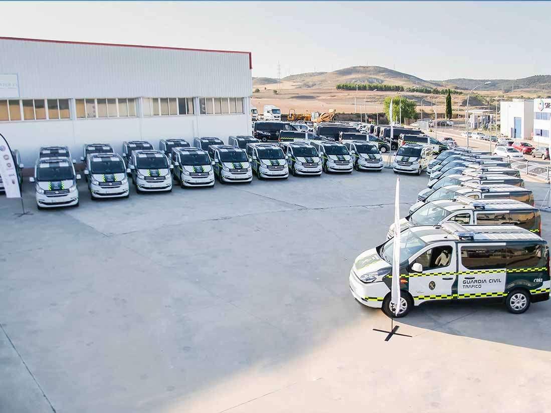 Fiat Professional entrega 40 unidades del furgón Talento a la Agrupación de Tráfico de la Guardia Civil