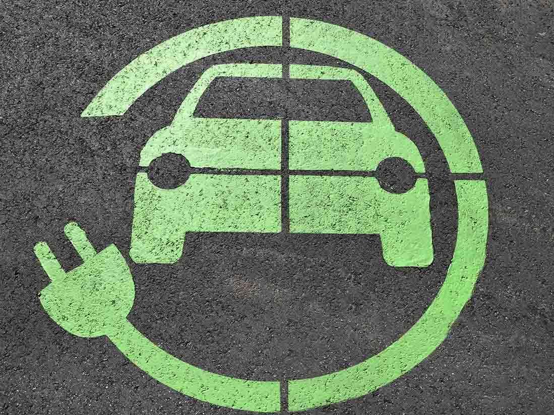 El Gobierno de España aprueba ayudas de 20 millones de euros para la adquisición de híbridos, eléctricos o de gas
