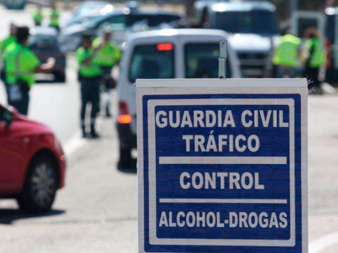 La DGT cuenta con 156 nuevas furgonetas para realizar controles de alcohol y otras drogas esta Navidad