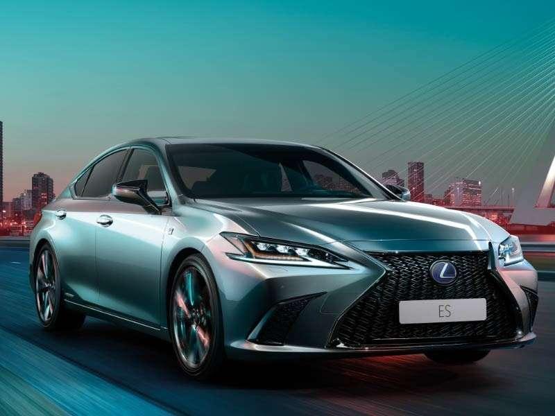 Lexus lanza en el Salón de Madrid 2018 los nuevos Lexus 300H y CT 200H Black & Grey edition