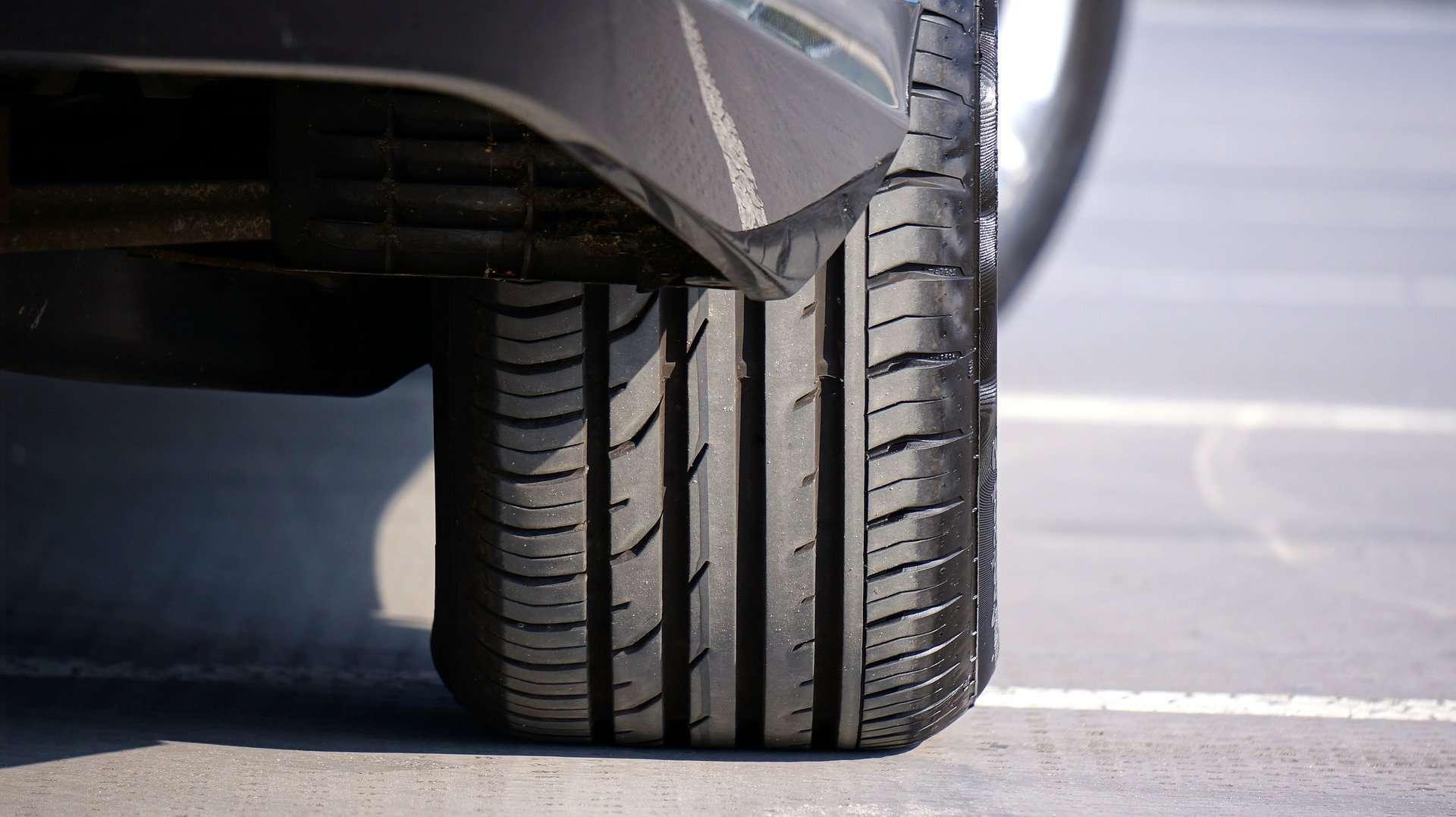 Conoce cuáles son las diferencias básicas entre neumáticos de verano y all season