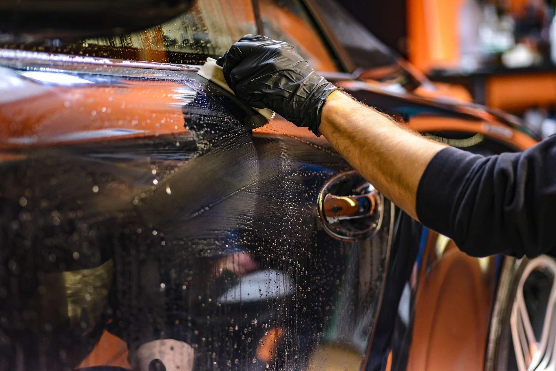 Cómo debes desinfectar el interior de un coche