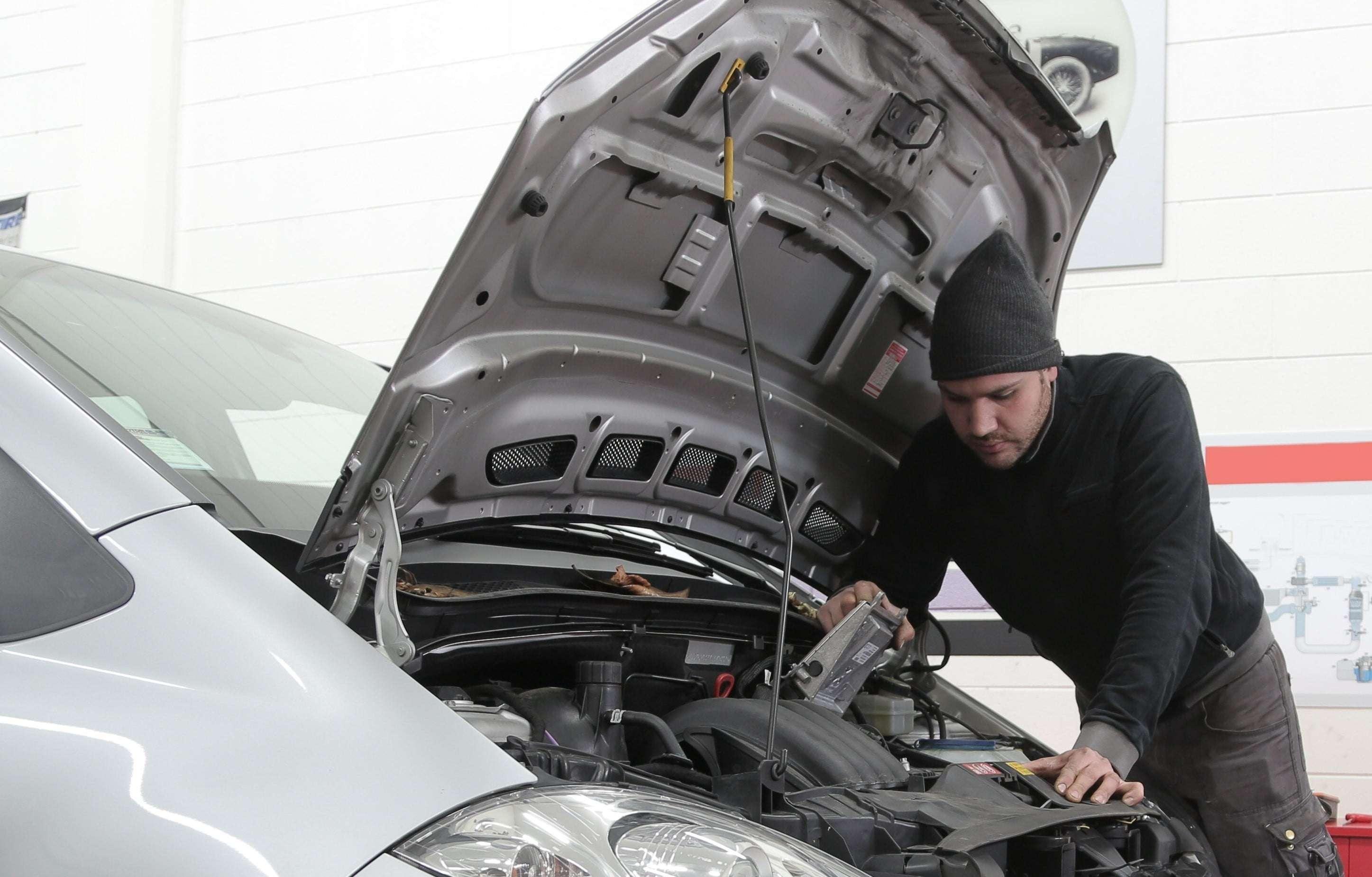 ¿Qué hacer cuándo sube la temperatura del motor?