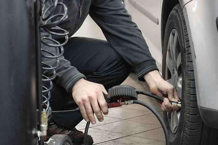 Cuál es la presión adecuada para tus neumáticos