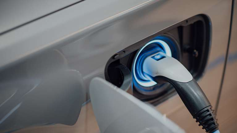 Las ventas de vehículos electrificados, híbridos y de gas suben un 91% en mayo