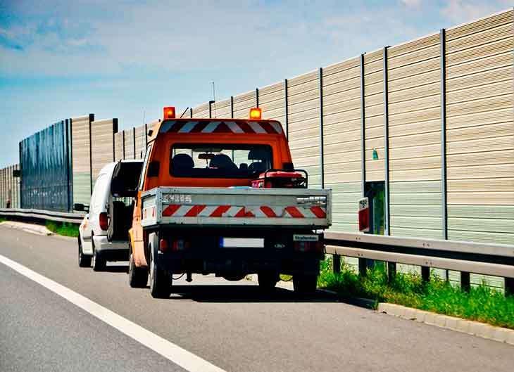 Cómo debería ser la asistencia en carretera de tu seguro de coche