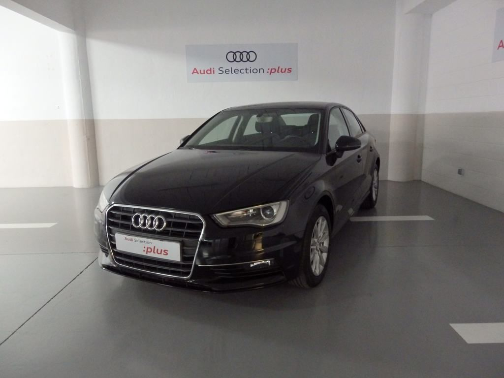 Audi A3 Sedan 1.6 TDI clean 110CV Attraction segunda mano Murcia