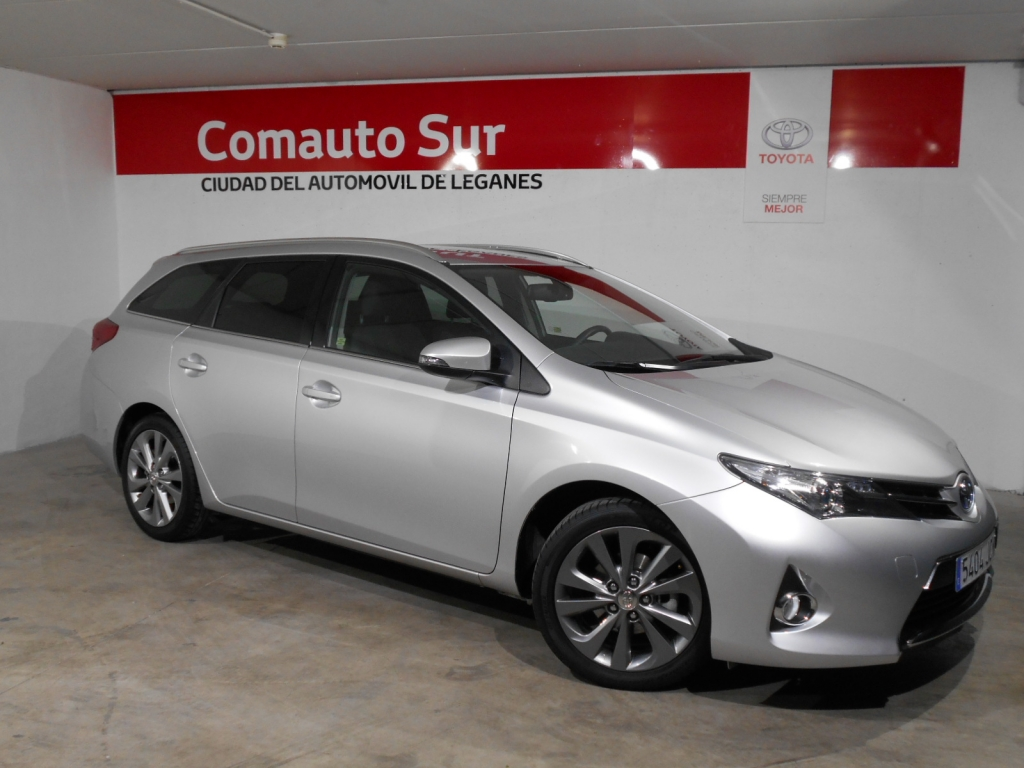 Toyota Auris Hybrid Active Touring Sports segunda mano Madrid