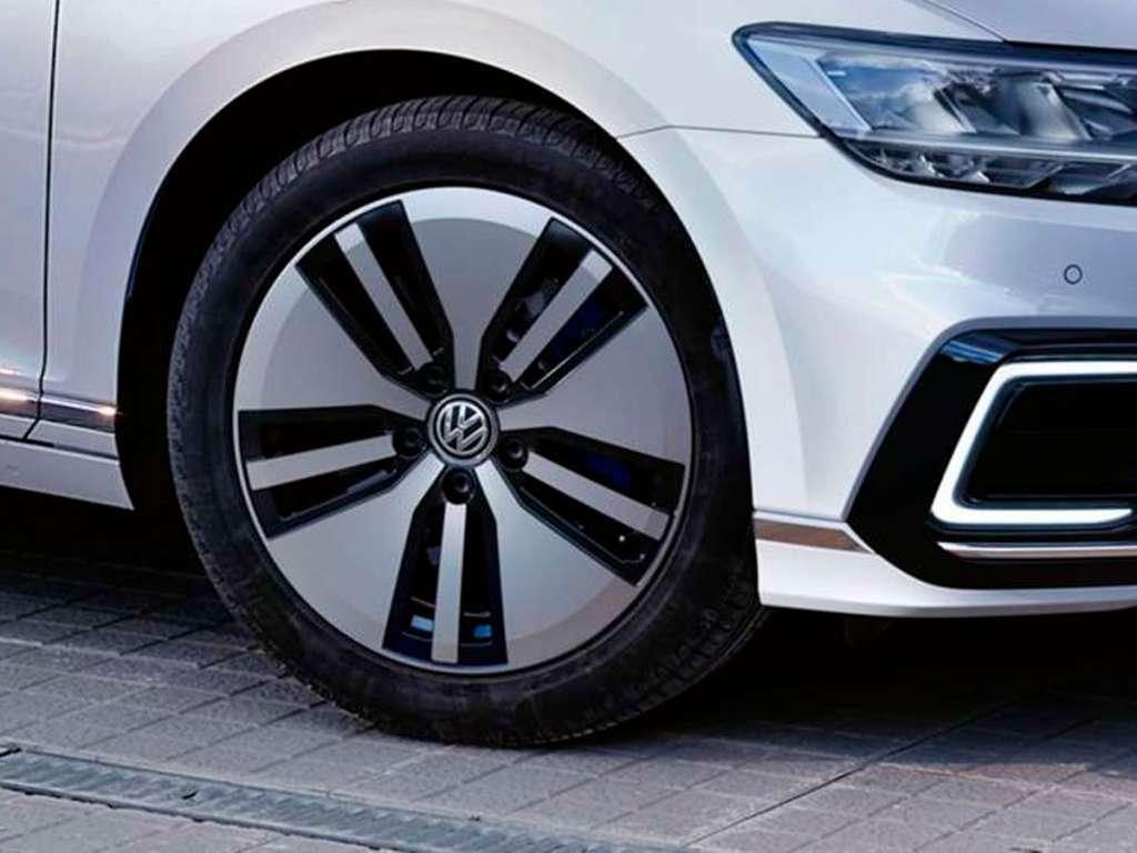 Volkswagen Novo Passat Variant GTE