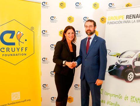 Renault firma un acuerdo de colaboración con la Fundación Cruyff