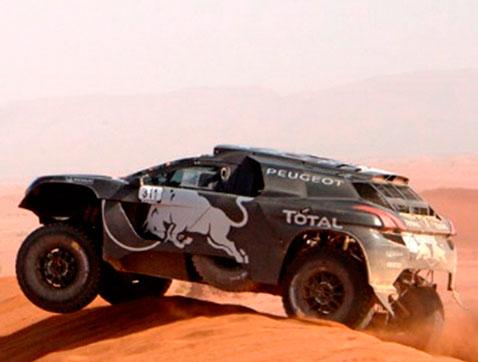 Sébastien Loeb piloto oficial Peugeot en la categoría de rally raid en 2016