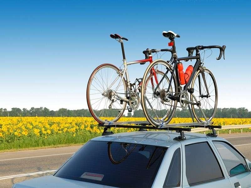 Viajar en coche con bicicletas: precauciones