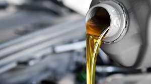 ¿Qué temperatura debe tener el aceite para que lubrique correctamente el motor?
