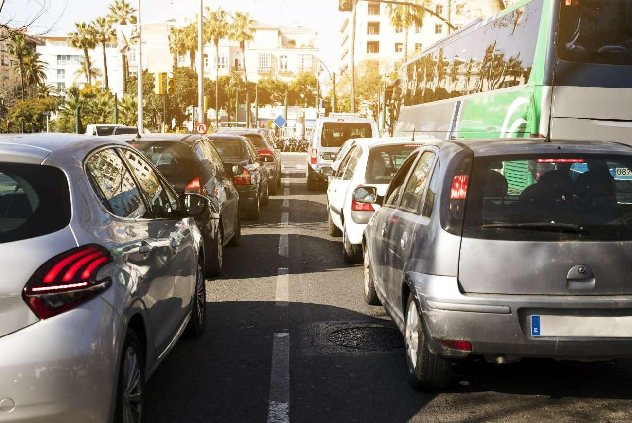 ¿Cómo conducir para contaminar menos y cuidar del medio ambiente?