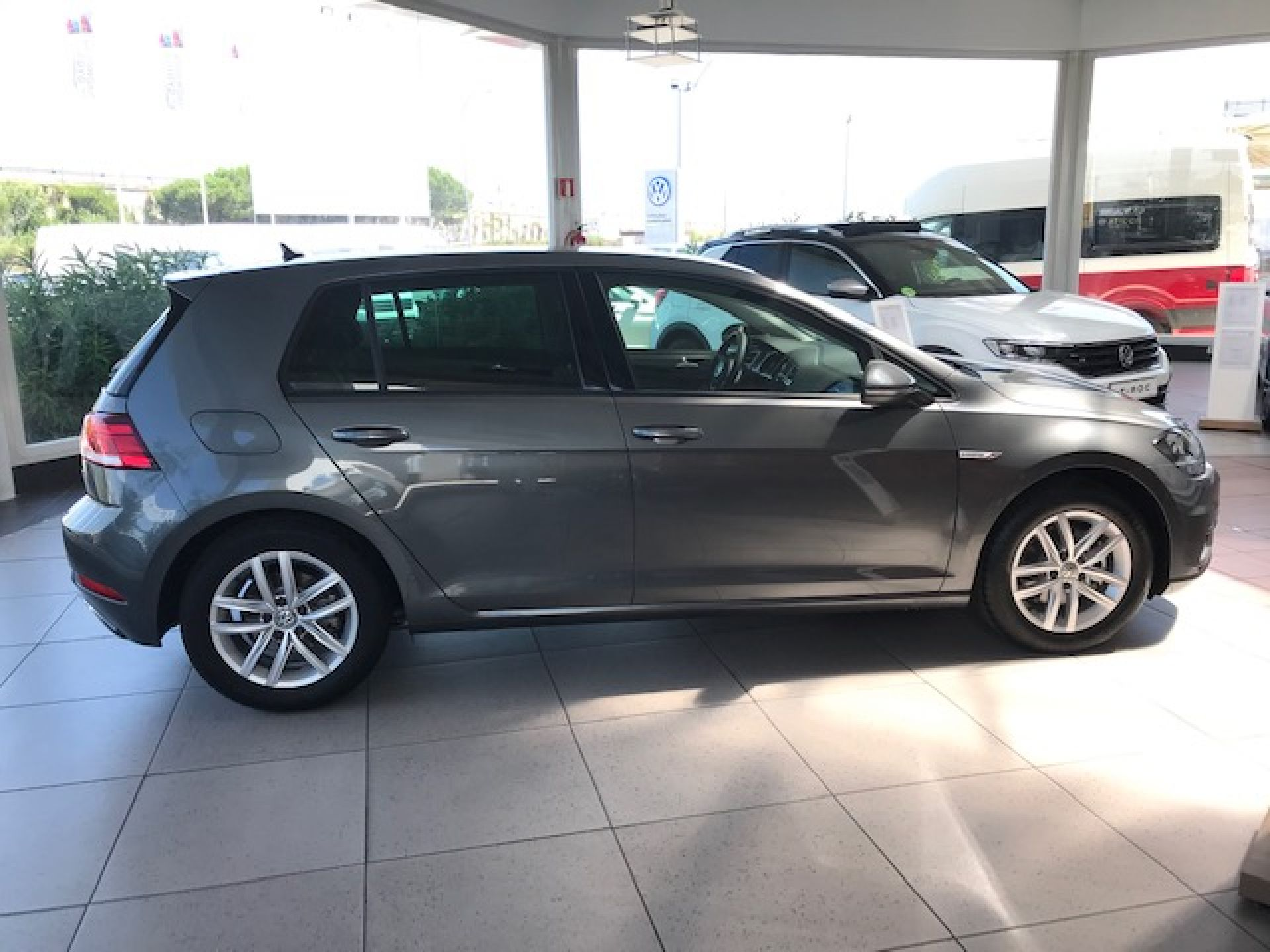 Volkswagen Golf Business 1.5 TSI EVO 96kW (130CV) nuevo Madrid