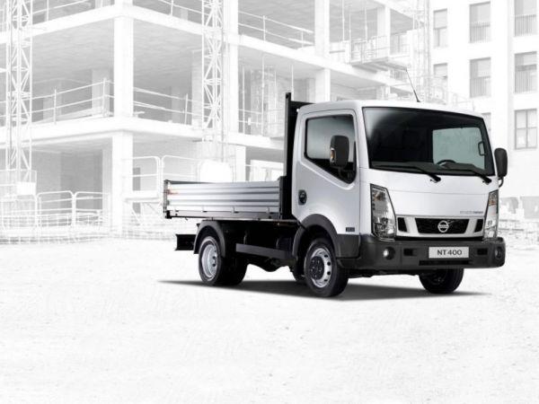 Nissan NT400 35.13/2 Comfort Cabina Abatible Media nuevo Madrid