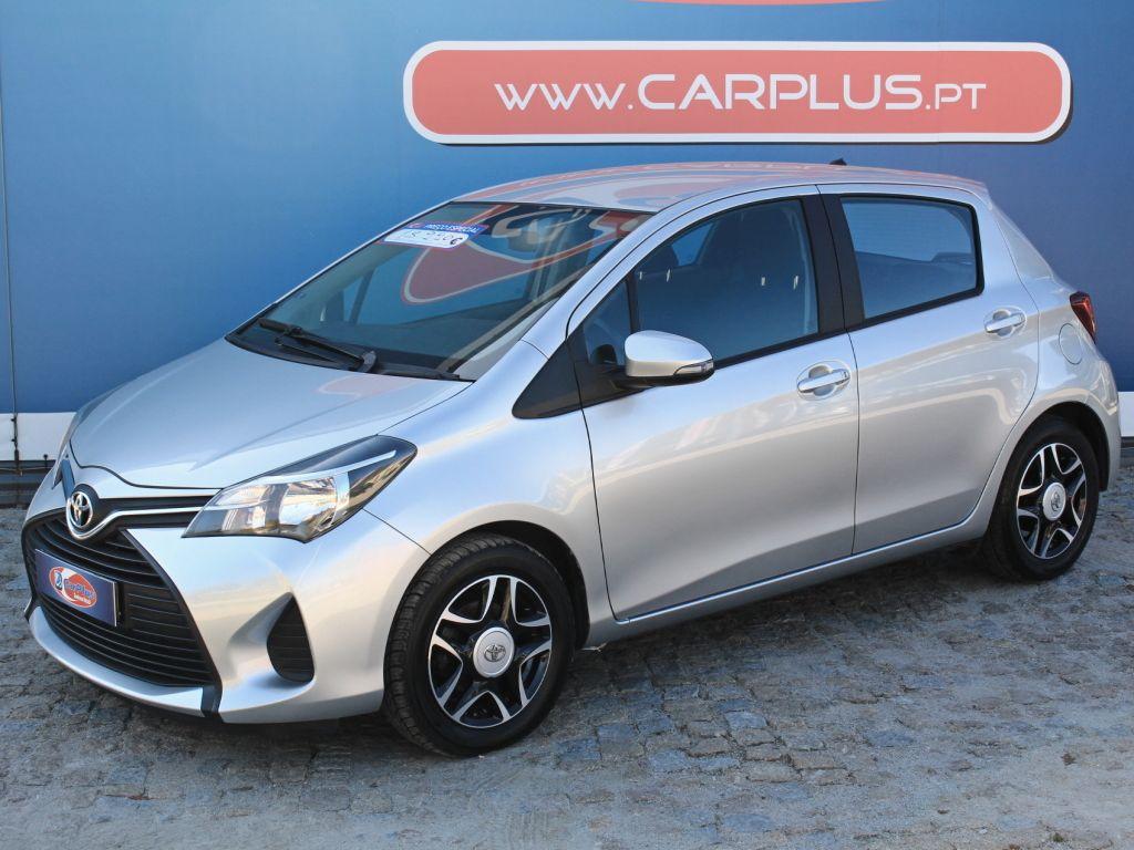 Toyota Yaris 1.4D Comfort segunda mão Porto