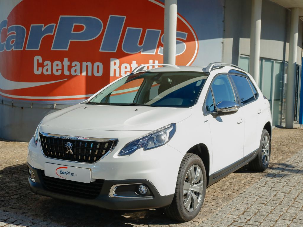 Peugeot 2008 Style 1.2 PureTech 82 Euro 6.2 segunda mão Lisboa