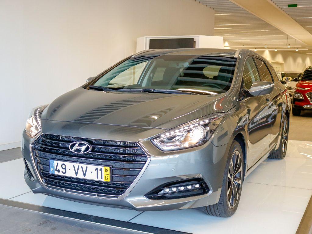 Hyundai i40 1.7 SW DCT CRDi HP Blue Style MY17 usada Lisboa