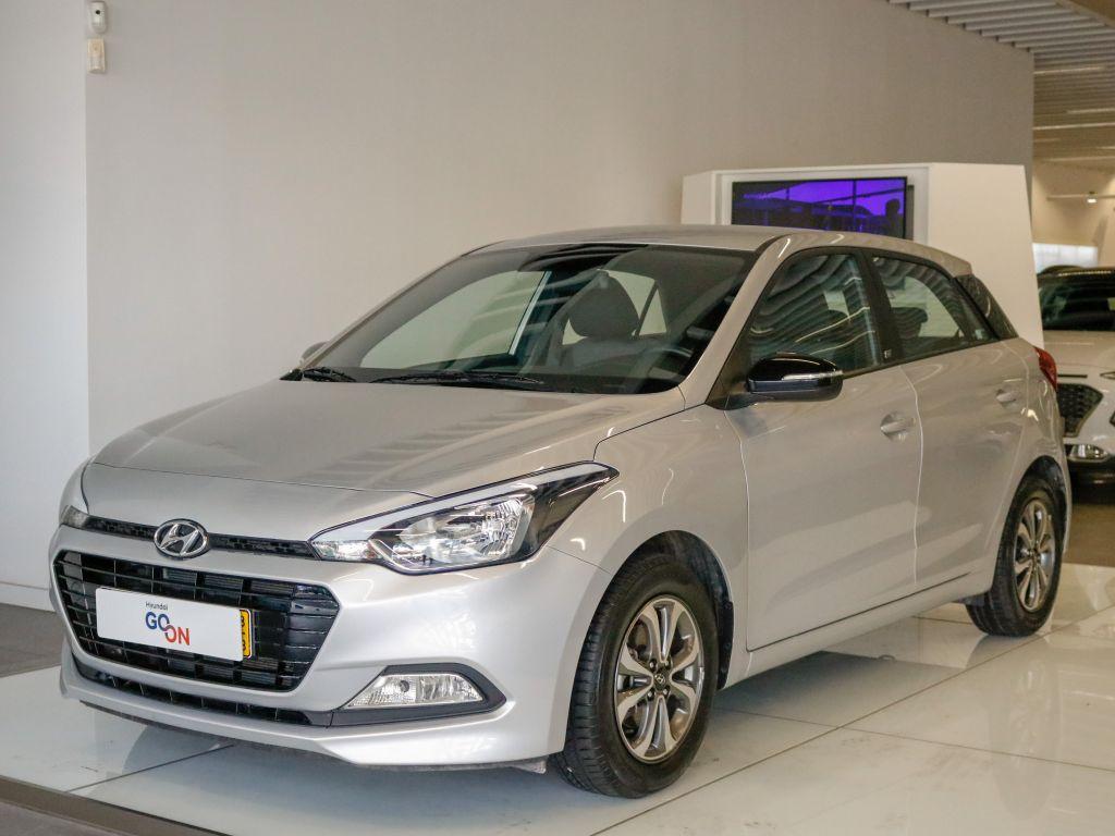 Hyundai i20 1.2 5 P MPI GO usada Lisboa